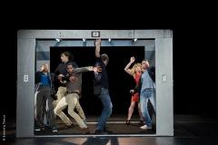 Le Lien Théâtre - L'ascenseur - Photo © Ernesto Timor
