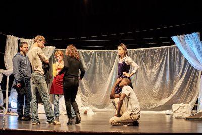 Les hippocampes, spectacle du Lien Théâtre. Photo © Ernesto Timor